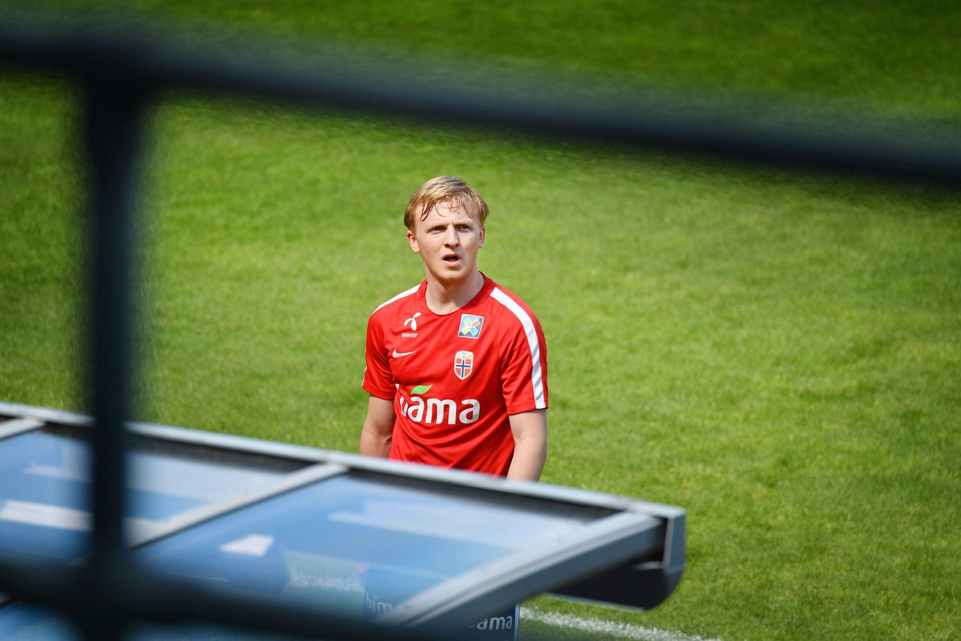 FÅR SNART VITE UTSIKTENE: Mats Møller Dæhli under tirsdagens landslagstrening på Ullevaal stadion.