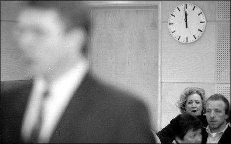 I RETTEN: Fra nest bakerste benk fulgte skuespilleren Wenche Foss spent med da Sveinung Rødseth forklarte seg for retten. Foto: Pål Hansen