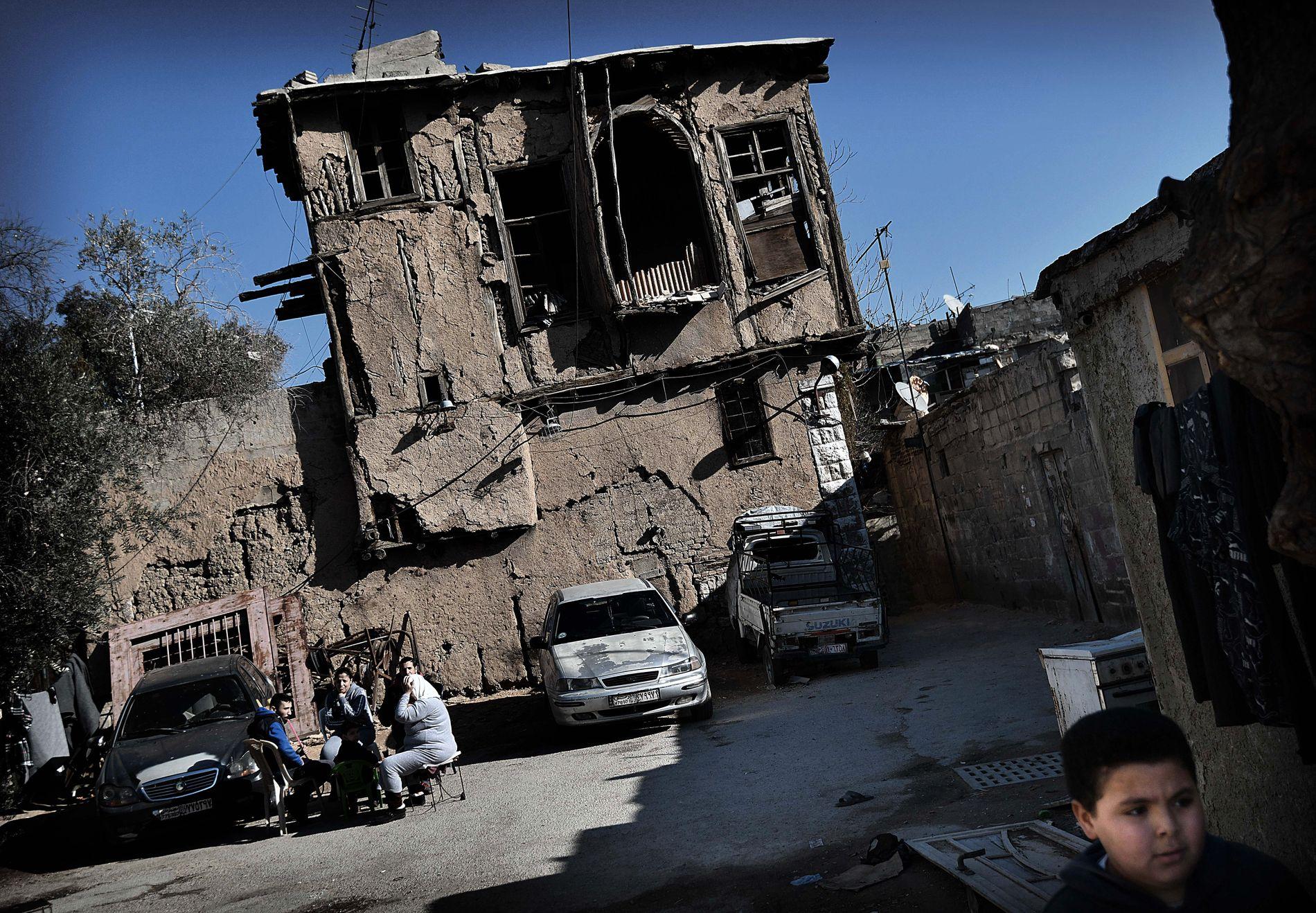 VED FRONTEN: VG besøkte fronten mot Øst-Ghouta i Jobar ved Damaskus i januar. Begge sider av konflikten lider sivile tap.