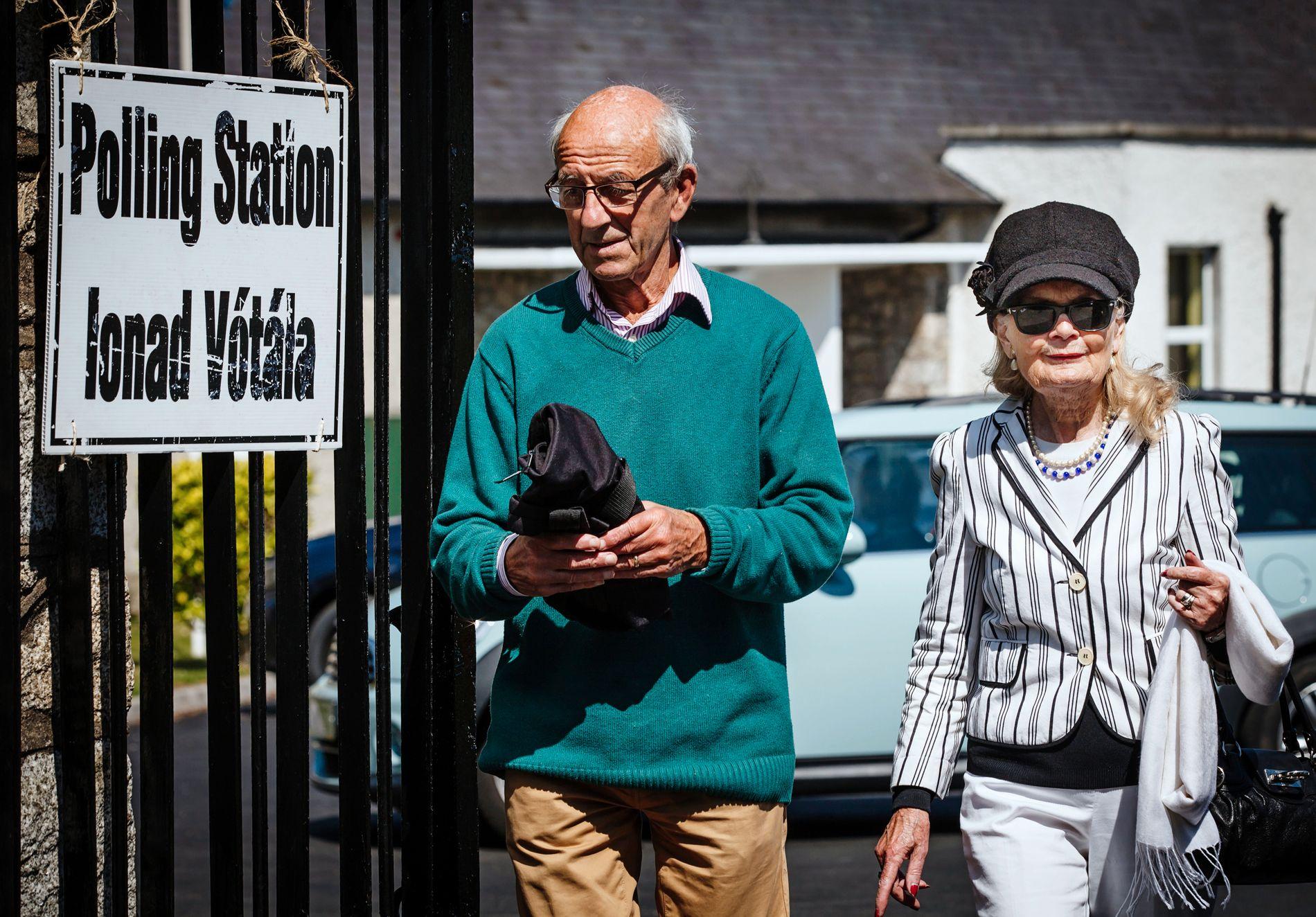 – PÅ TIDE: Anne Ruttor (76) og ektemannen John har stemt «ja» til å oppheve den strenge abortloven i Irland. Anne mener det er på høy tid med en endring.