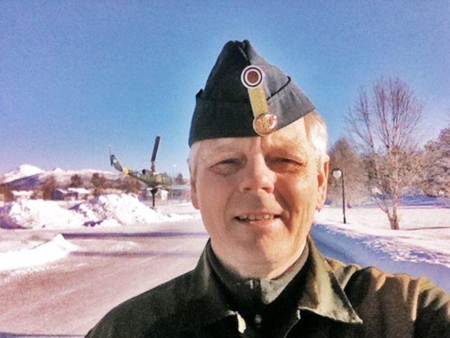 IKKE HELT HEMMELIG: Under Cold Respons-øvelsen i fjor oppfordret Morten Haga Lunde soldatene til å ta selfie fra felt. Her er hans eget bidrag.