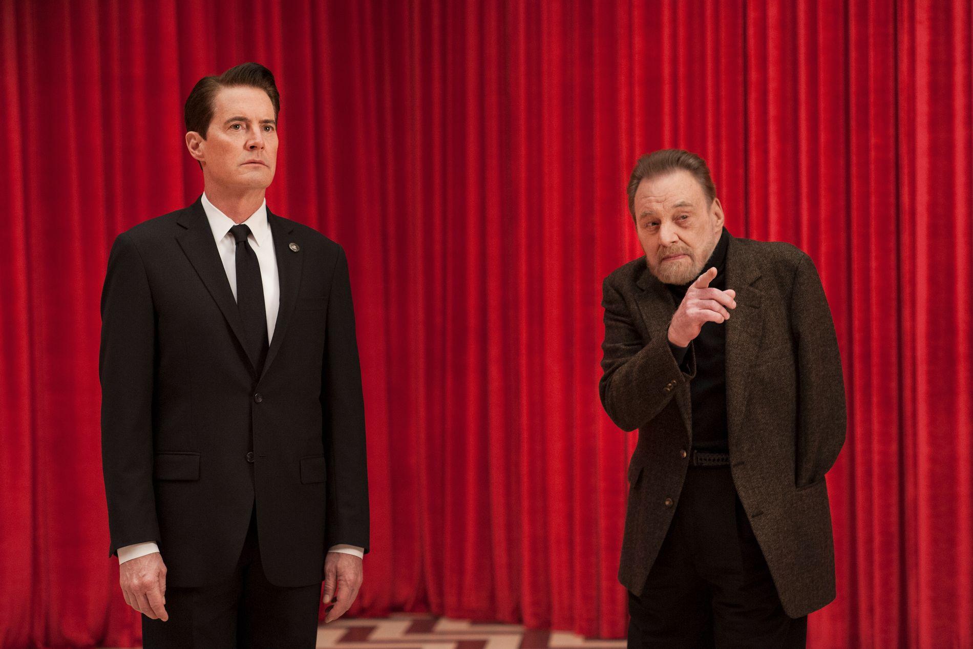 VENDTE TILBAKE: Kyle MacLachlan og Al Strobel i «Twin Peaks». Foto: Suzanne Tenner/Showtime