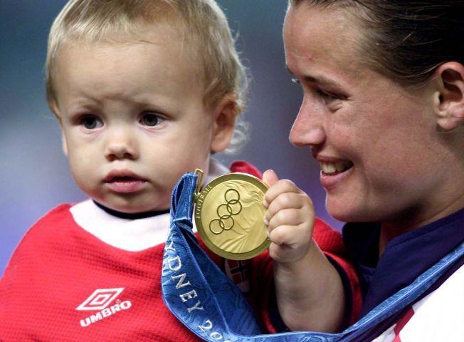 OL-GULL: Margunn Haugenes har en eventyrlig karriere å vise til på fotballbanen med blant annet et OL-gull fra Sydney i 2000.