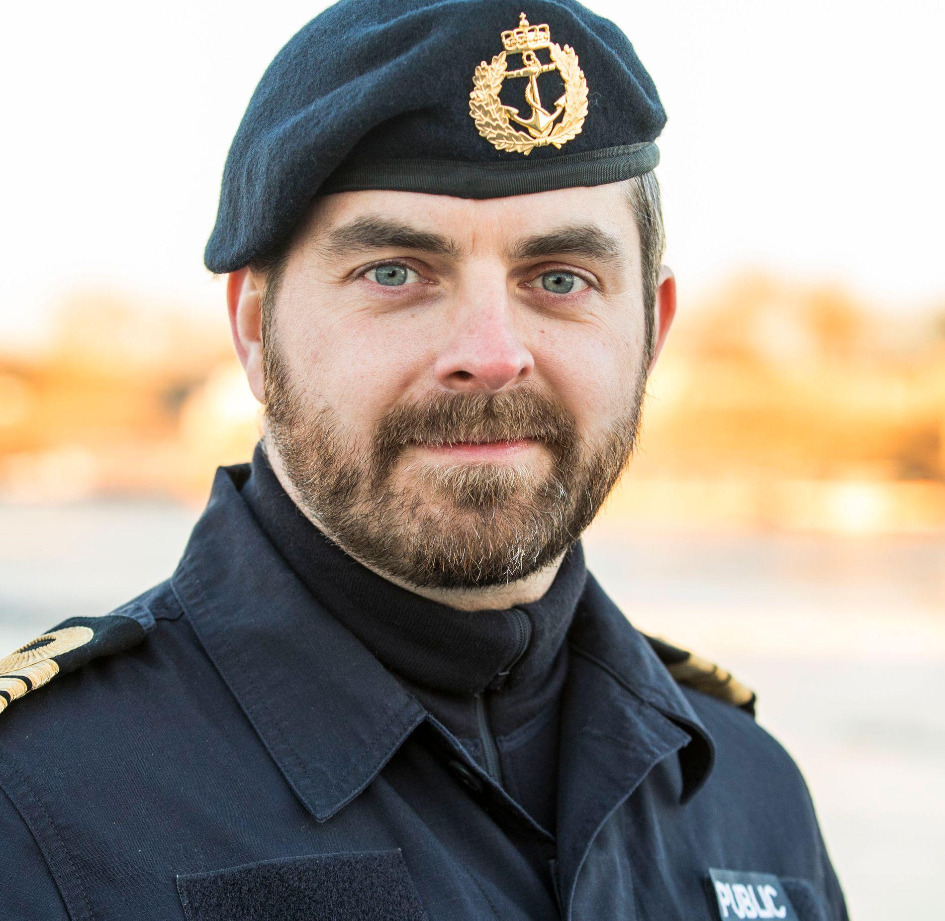 PRESSEOFFISER: Thomas Gjesdal i marinen hørte  lørdag kveld samtalen før kollisjonen. - Det gjør inntrykk, sier han.