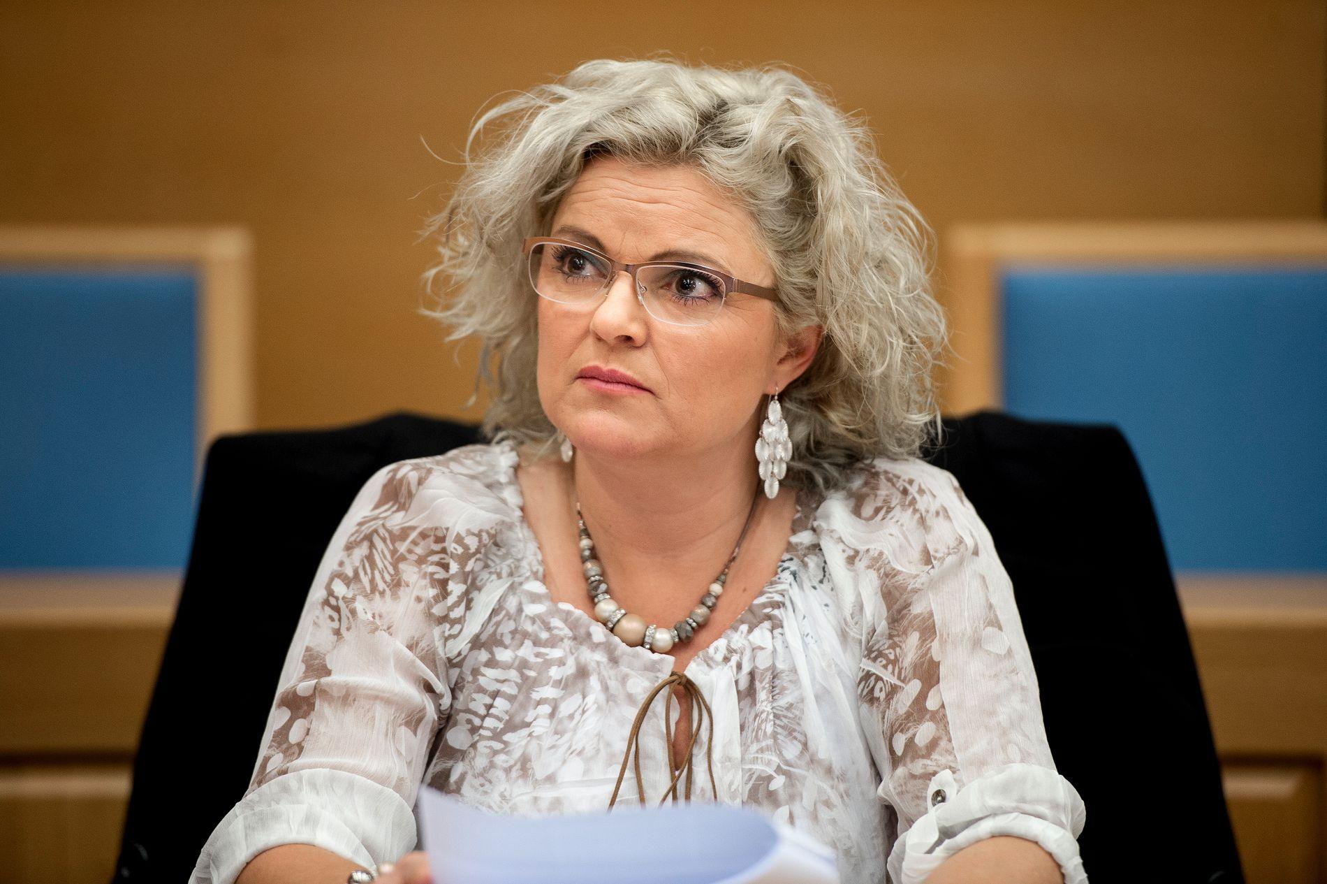 SAKSØKER: Frisøren Merete Hodne saksøker Løgnaslaget på nytt. Denne gangen for ærekrenkelse.