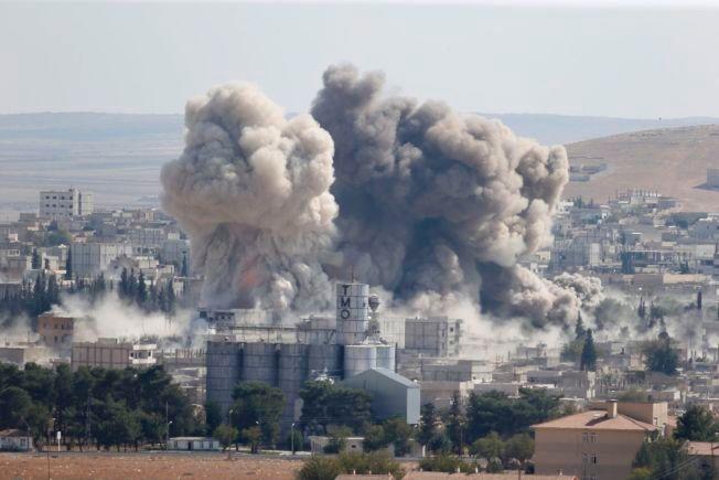 BOMBING; Luftangrep fra den amerikanskledede koalisjonen var med på å jage IS ut av den syriske byen Kobani. Bildet er fra et bombetokt i oktober i fjor.