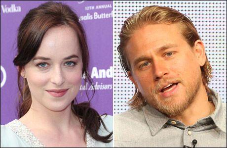 HETE SCENER: Dakota Johnson og Charlie Hunnam skal spille erotiske scener seg i mellom når de får rollene som Anastasia og Christian Grey. Foto: AFP