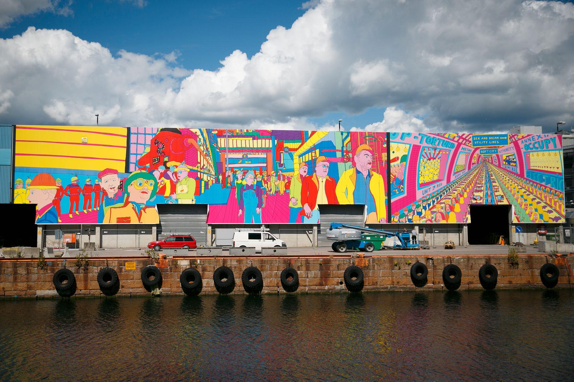 SATTE SPOR: Skur 13 på Tjuvholmen er dekket av et 1300 kvadratmeter stort Pushwagner-maleri.