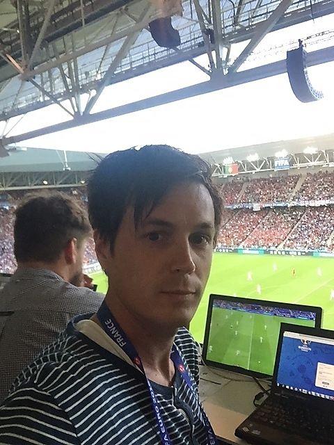 VG I ST. ETIENNE: VGs journalist Øyvind Brenne var på Portugal - Island.