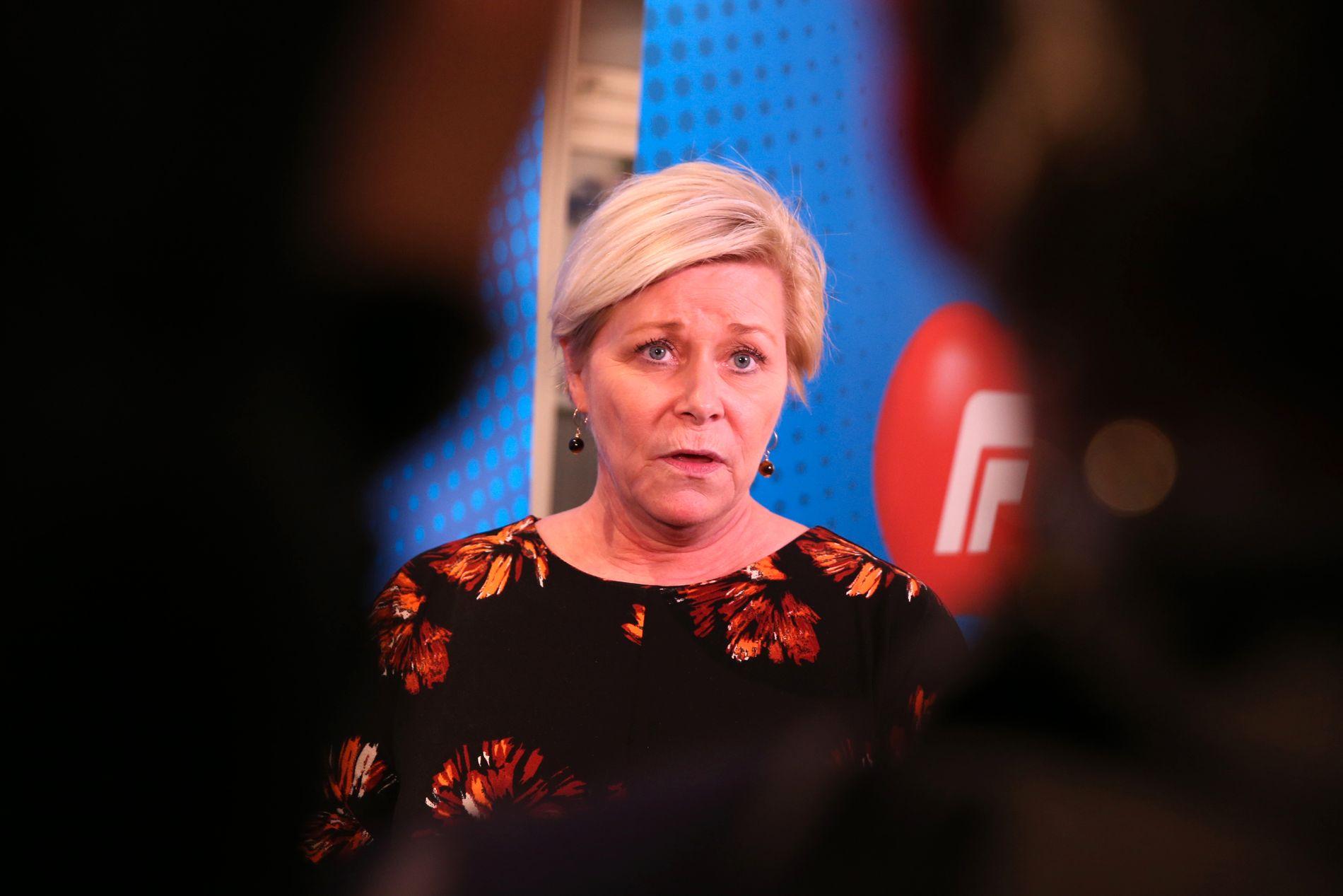 KRAFTIG TILBAKE: Siv Jensens Frp mister velgere til både Ap og Høyre på VGs siste måling. Her fra sonderingene med KrF.