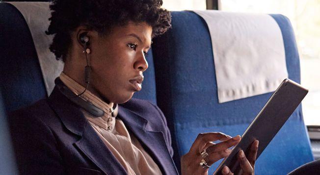 STILLE: Bose QuietControl 30 er blant øreproppene som er testet. Foto: Bose
