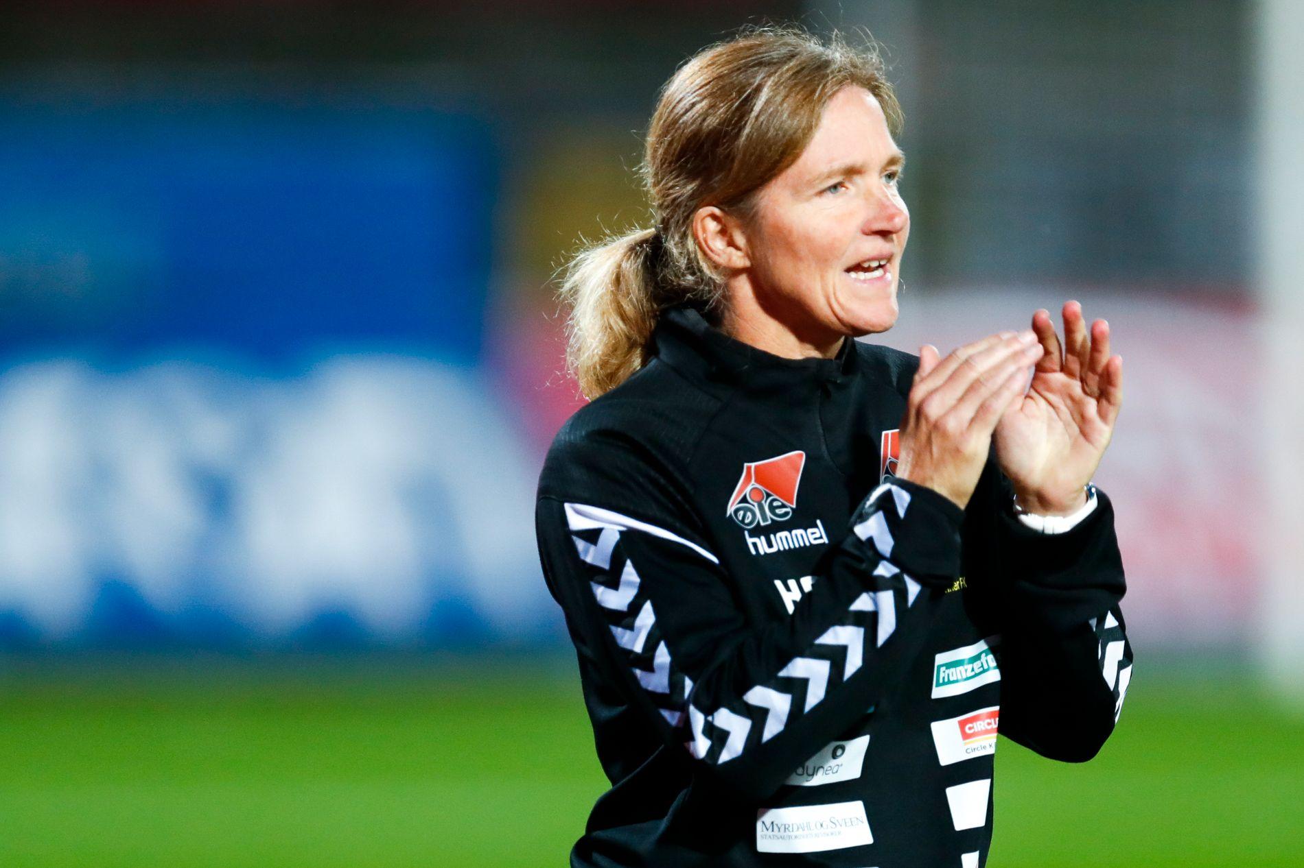 TØFF OPPGAVE: Hege Riise ledet LSK Kvinner til seriegull tidligere i høst. Onsdag kveld står Manchest City på motsatt banehalvdel.
