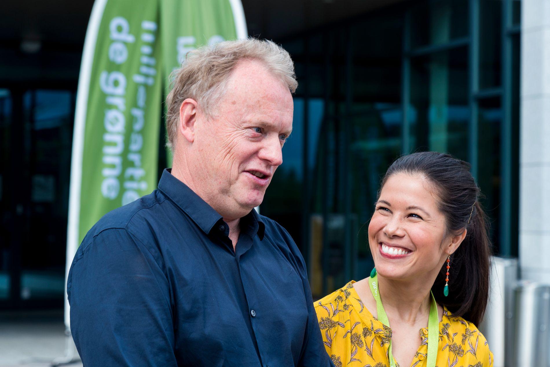 VELGERNE RØMMER: Byrådsleder Raymond Johansen (Ap) og miljø- og samferdselsbyråd Lan Marie Nguyen Berg (MDG), her under landsmøtet til Miljøpartiet De Grønne 13. mai.