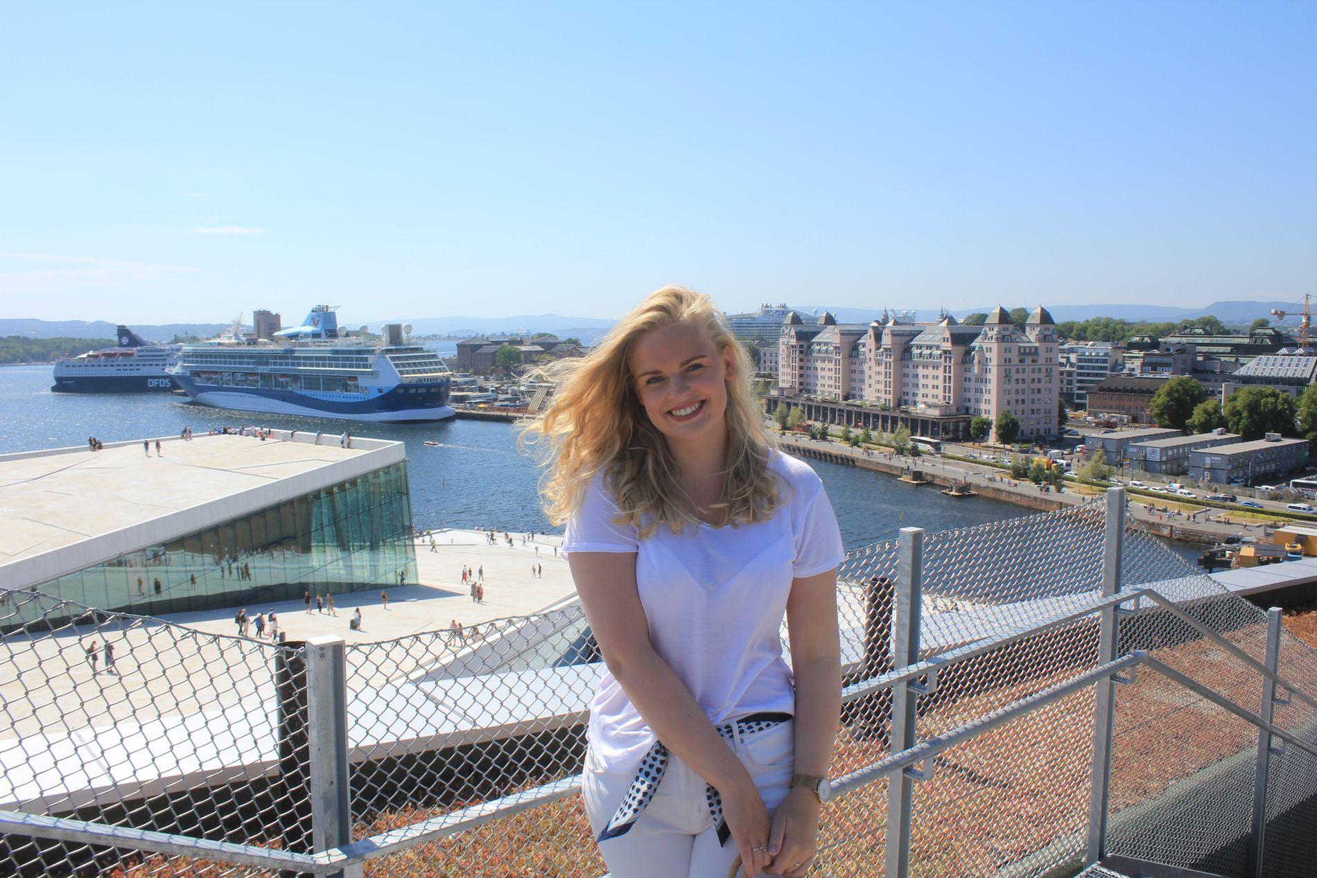 NY BOLIG: Studenten Amalie Hauge Pedersen (22) flytter til Bjørvika til skolestart i august - og får takterrasse med utsikt over Operaen med i leia.