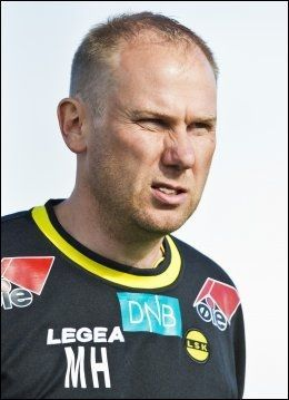 SONDERER TERRENGET: Lillestrøm-trener Magnus Haglund ser etter en ersatter for Björn Bergmann Sigurdarson. Foto: Vegard Grøtt, NTB Scanpix