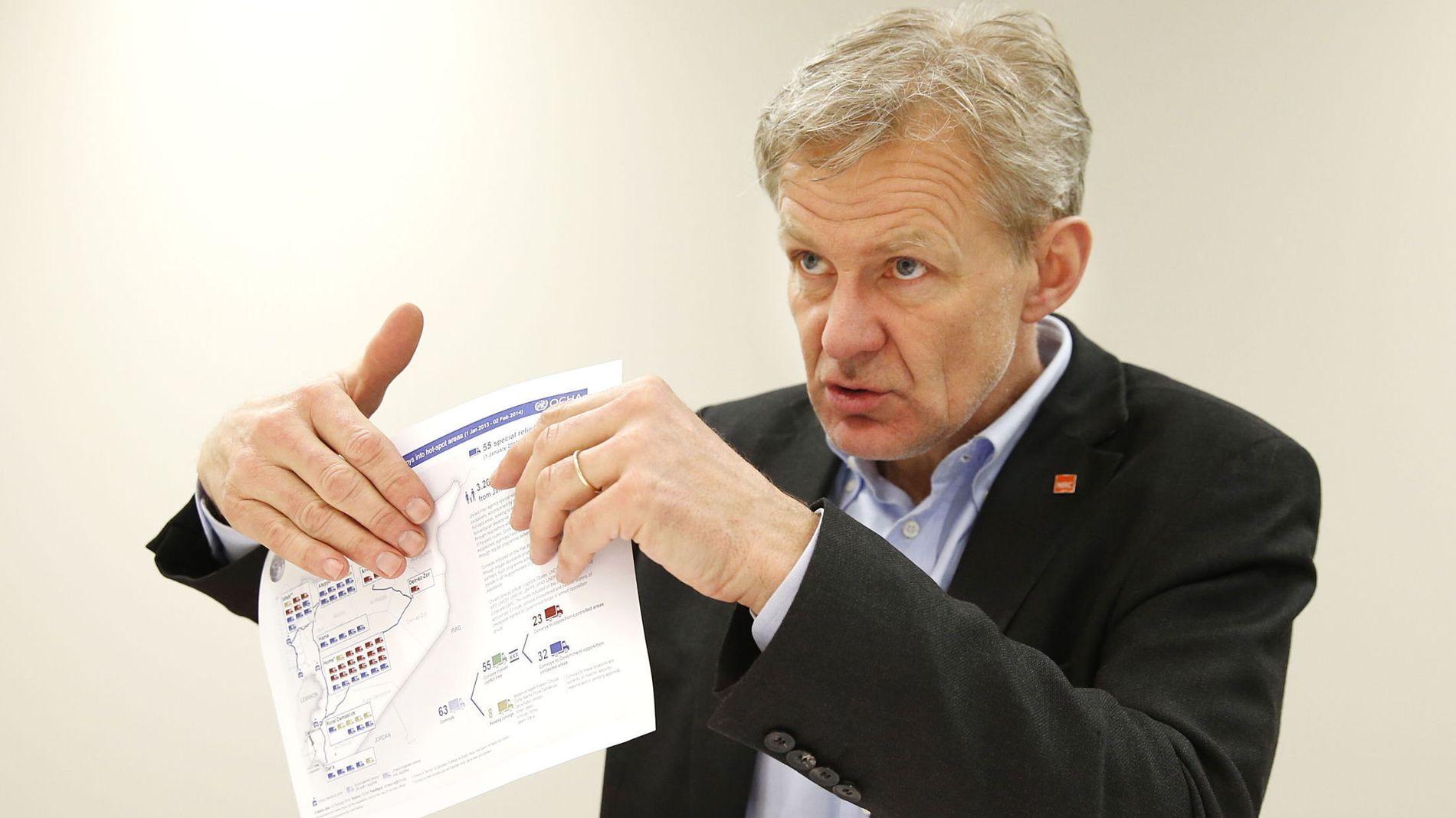 SAMARBEIDER MED ISIL: Generalsekretær Jan Egeland forteller at Flyktninghjelpen er nødt til å samarbeide med militante islamister for å få nødhjelp ut til sivilbefolkningen i Syria. Nødhjelpen misbrukes i ISILs propaganda overfor lokalbefolkningen.
