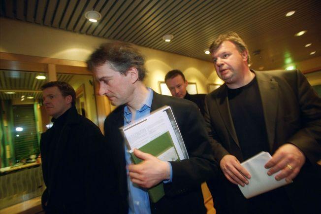 Jonas Gahr Støre og Bjarne Håkon Hanssen i 2001, den gang de var henholdsvis stabssjef på statsministerens kontor og landbruksminister. Nå er Støre Ap-leder og Hanssen partner i First House