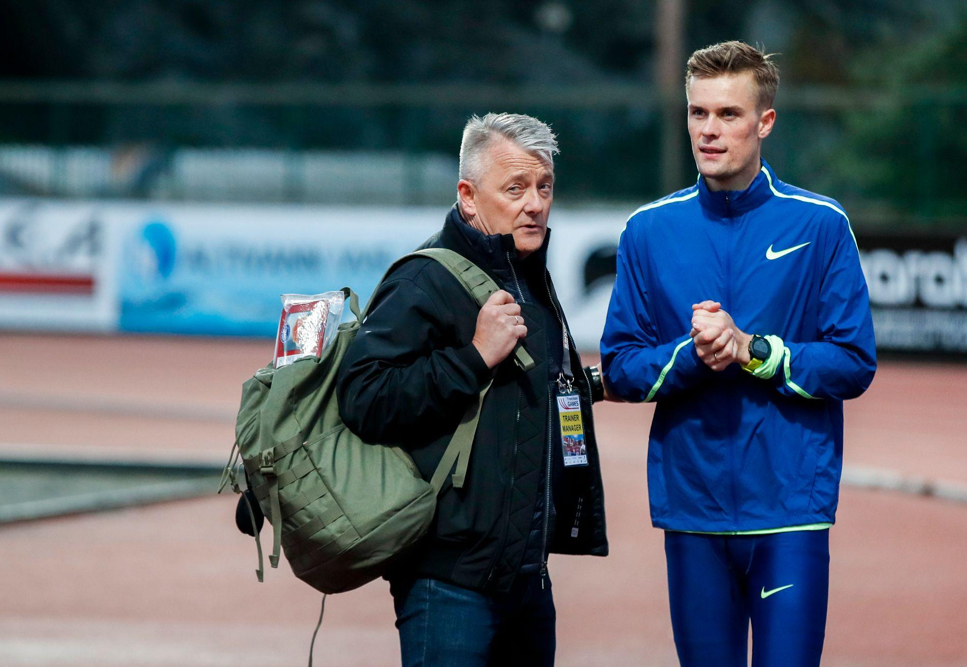 FAR OG SØNN: Filip Ingebrigtsen med trener Gjert under Trond Mohn Games på Fana stadion i forrige uke.