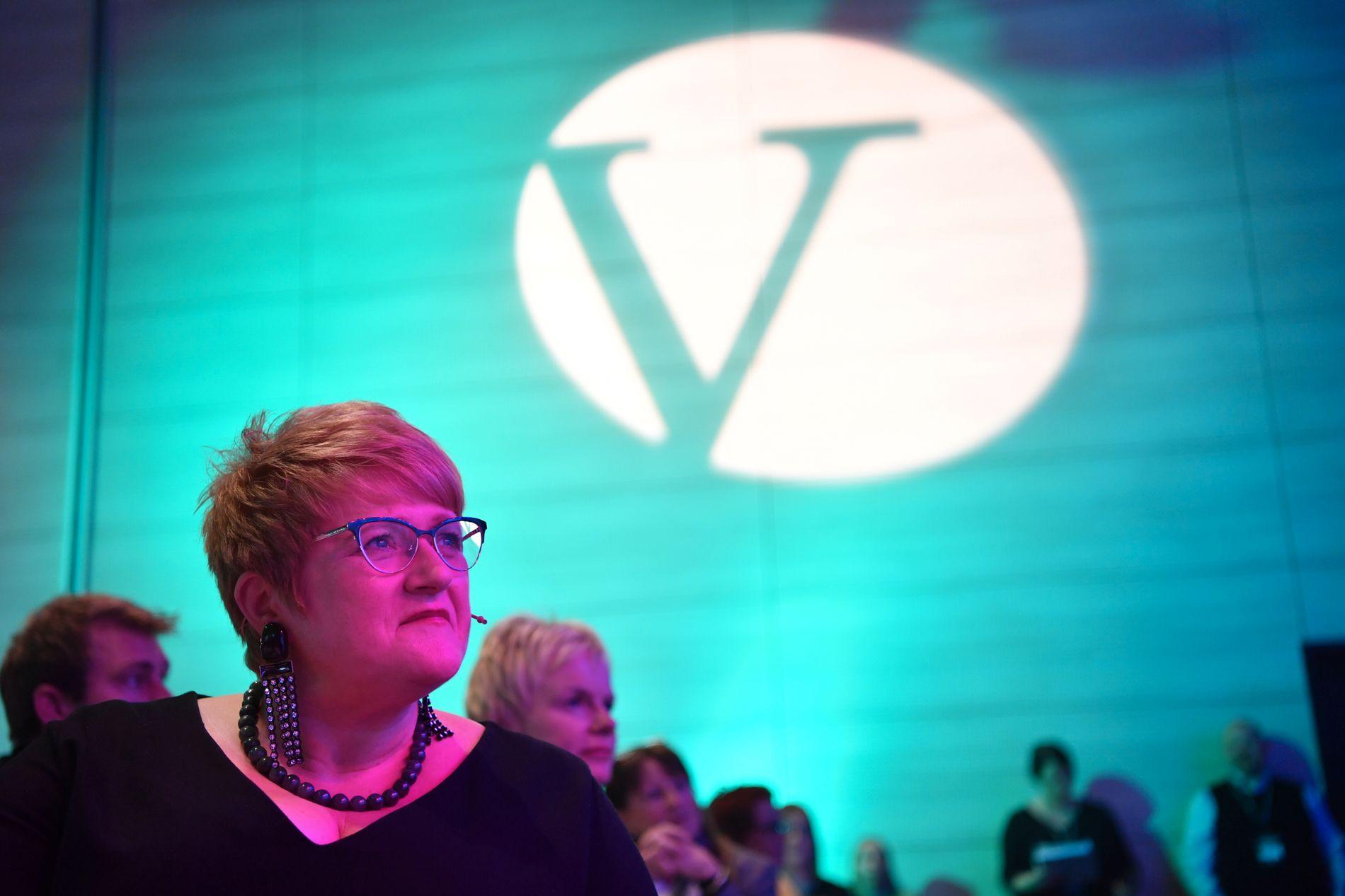 BLIR GJENVALGT: Trine Skei Grande, som blir gjenvalgt som Venstre-leder denne helgen, er en av tre partiledere i regjeringen. Hun følger den internasjonale spente situasjonen nøye mellom debatter om skole- og kultur-uttalelser på Venstre-landsmøtet lørdag formiddag.