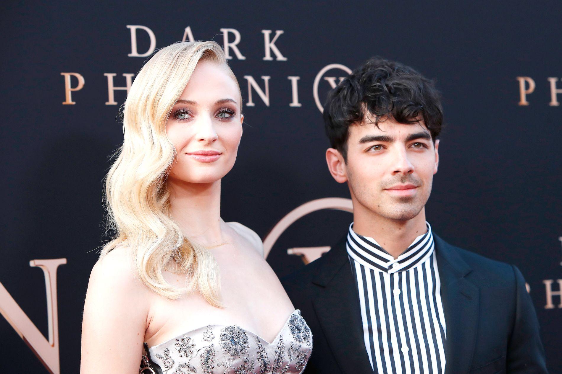 BRYLLUPSREISE: Sophie Turner er på bryllupsreise med ektemannen Joe Jonas. Her er de sammen på Los Angeles-premieren til X-Men- filmen Dark Phoenix, som Turner spilte i.
