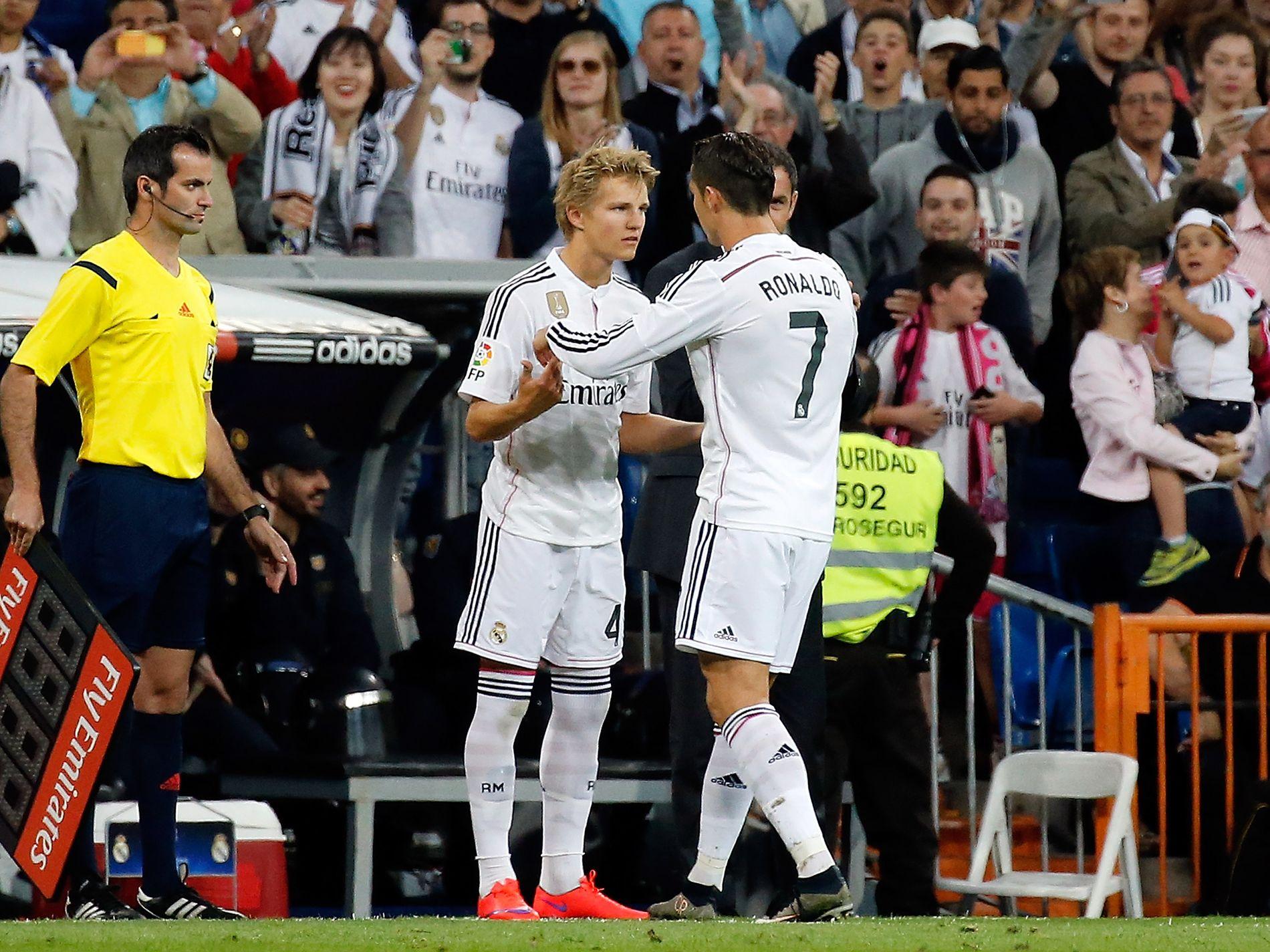 STORT ØYEBLIKK: Etter drøyt 57 minutter, i hjemmekampen mot Getafe i mai 2015, byttes 16 år gamle Martin Ødegaard inn for Cristiano Ronaldo. Real Madrid ledet 5–3 (tre mål av Ronaldo), og vant til slutt 7–3.