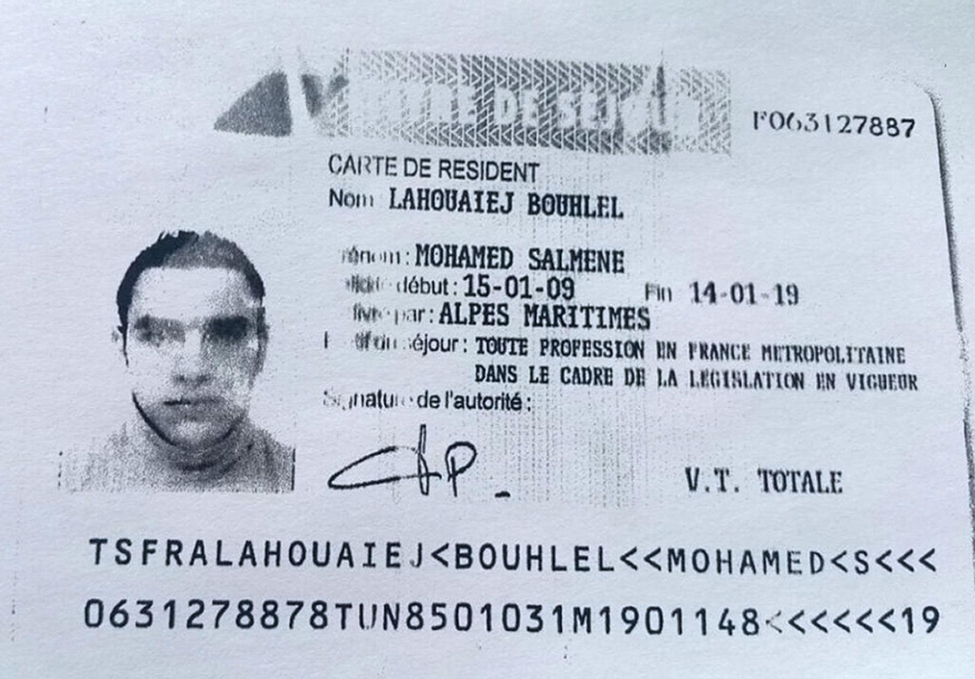 STO BAK: Mohamed Lahouaiej Bouhlel (31) var mannen som førte den 19 tonn tunge lastebilen nedover Promenade des Anglais torsdag 14. juli 2016.