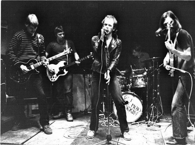 KJØTT I 1980: Fra venstre Jøran Rudi, Per Kristian Tro, Helge Gaarder og Erik Aasheim. Bak trommene: Michael Krohn.