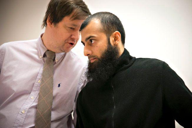 FENGSLINGSMØTE: ubaydullah Hussain (til høyre) og hans forsvarer John Christian Elden.