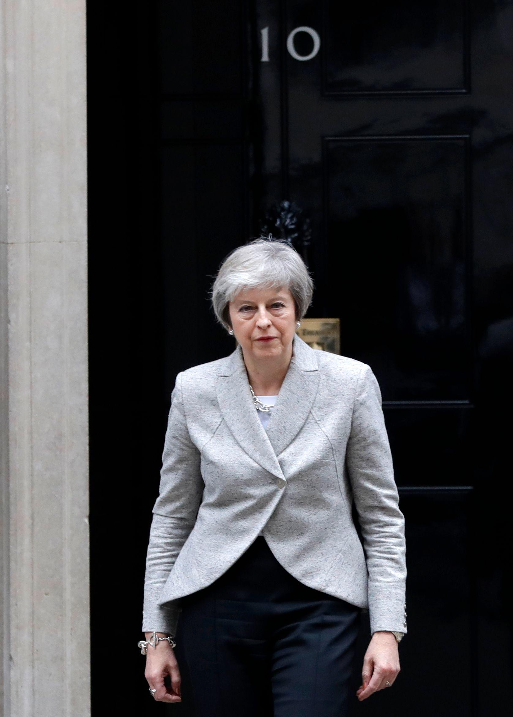 Storbritannias statsminister Theresa May er på vei til Brussel. Britene er nå enige med myndighetene i Madrid om Gibraltar.