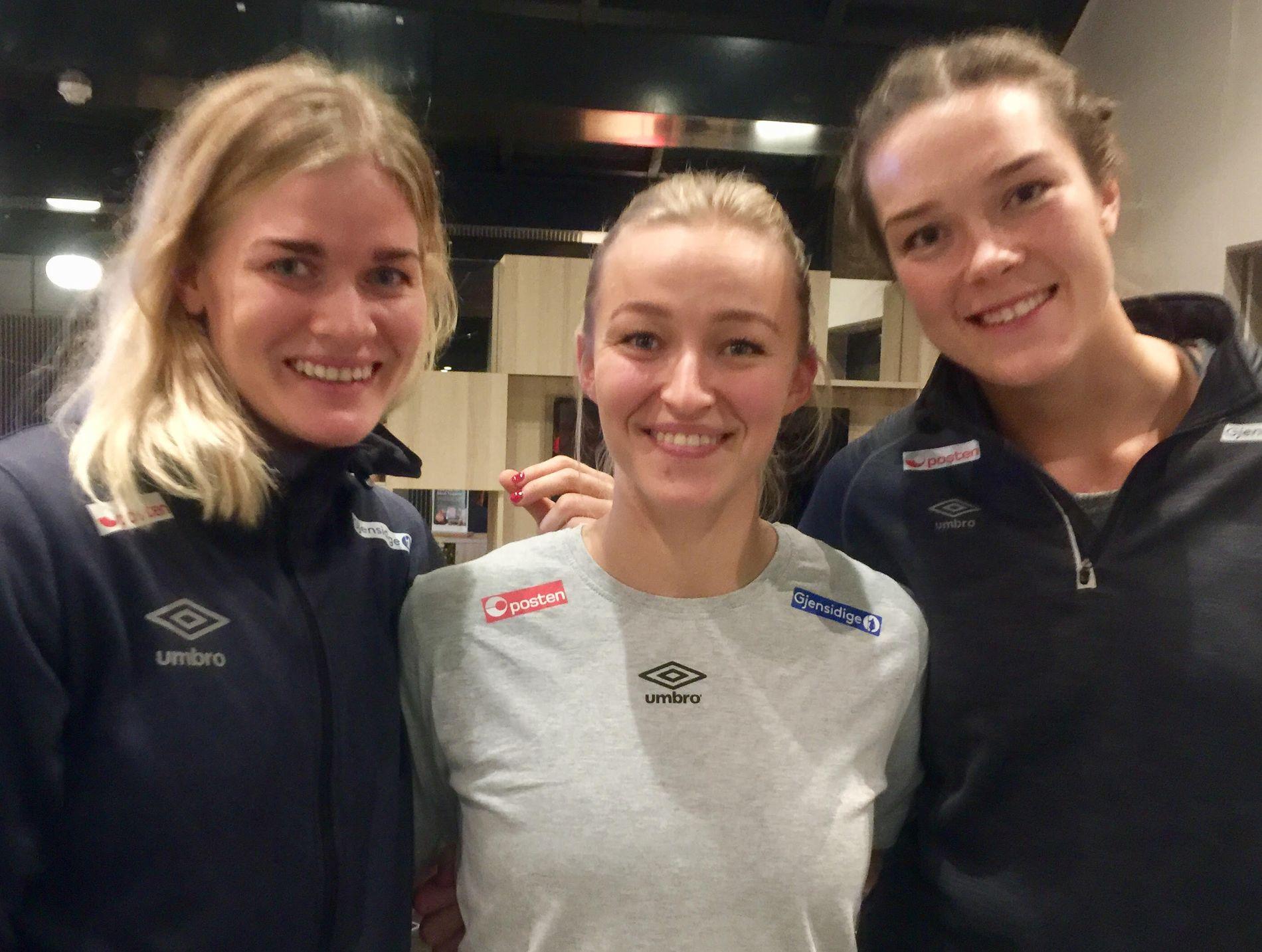 GYÖR X 3: Veronica Kristiansen (til venstre) har kommet fra Midtjylland og Kari Brattset (til høyre) fra Vipers. Sammen med Stine Bredal Oftedal spiller de til daglig sammen i ungarske Györ.