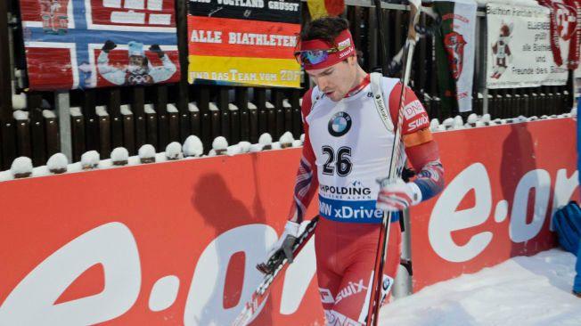 IKKE FULL SÅ SUPER: Emil Hegle Svendsen blir ofte kalt Super-Svendsen, men har slitt med formen i vinter. Nå får han heller ikke gå åpningsdistansen i skiskytter-VM. Her er han fra et verdenscuprenn tidligere i vinter.