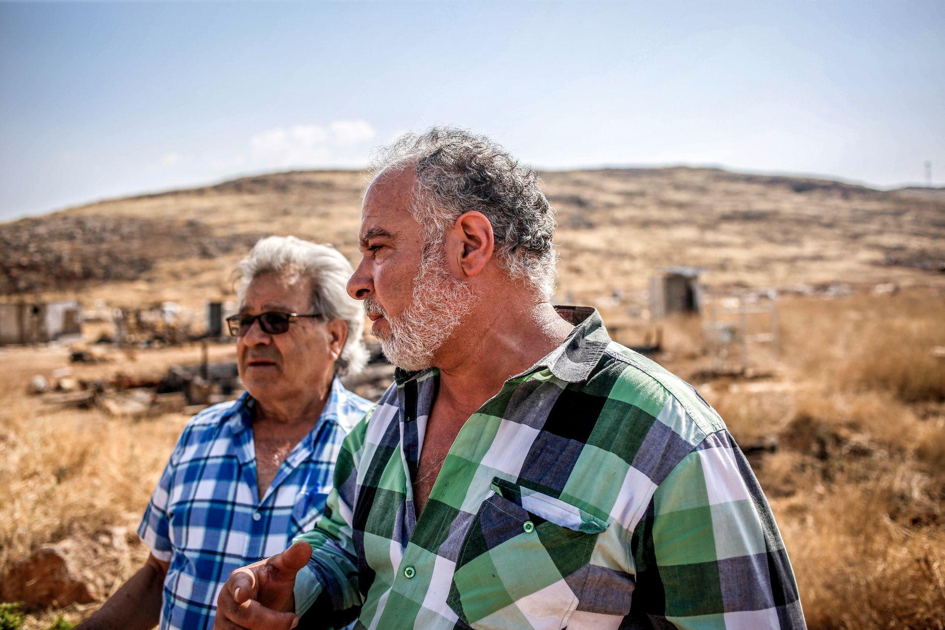SINNE: Michel Rahmeh (53) og John Attalh (73) beskylder syrerne for kriminalitet og vold. De vil sende syrere i Libanon tilbake.