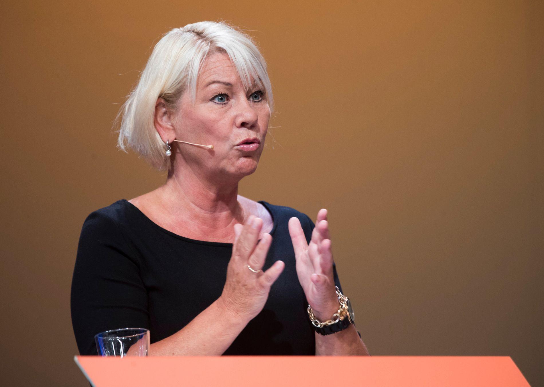 DEBATT: Kommunal- og moderniseringsminister Monica Mæland (H) i debatt om fylker og regioner under Arendalsuka.