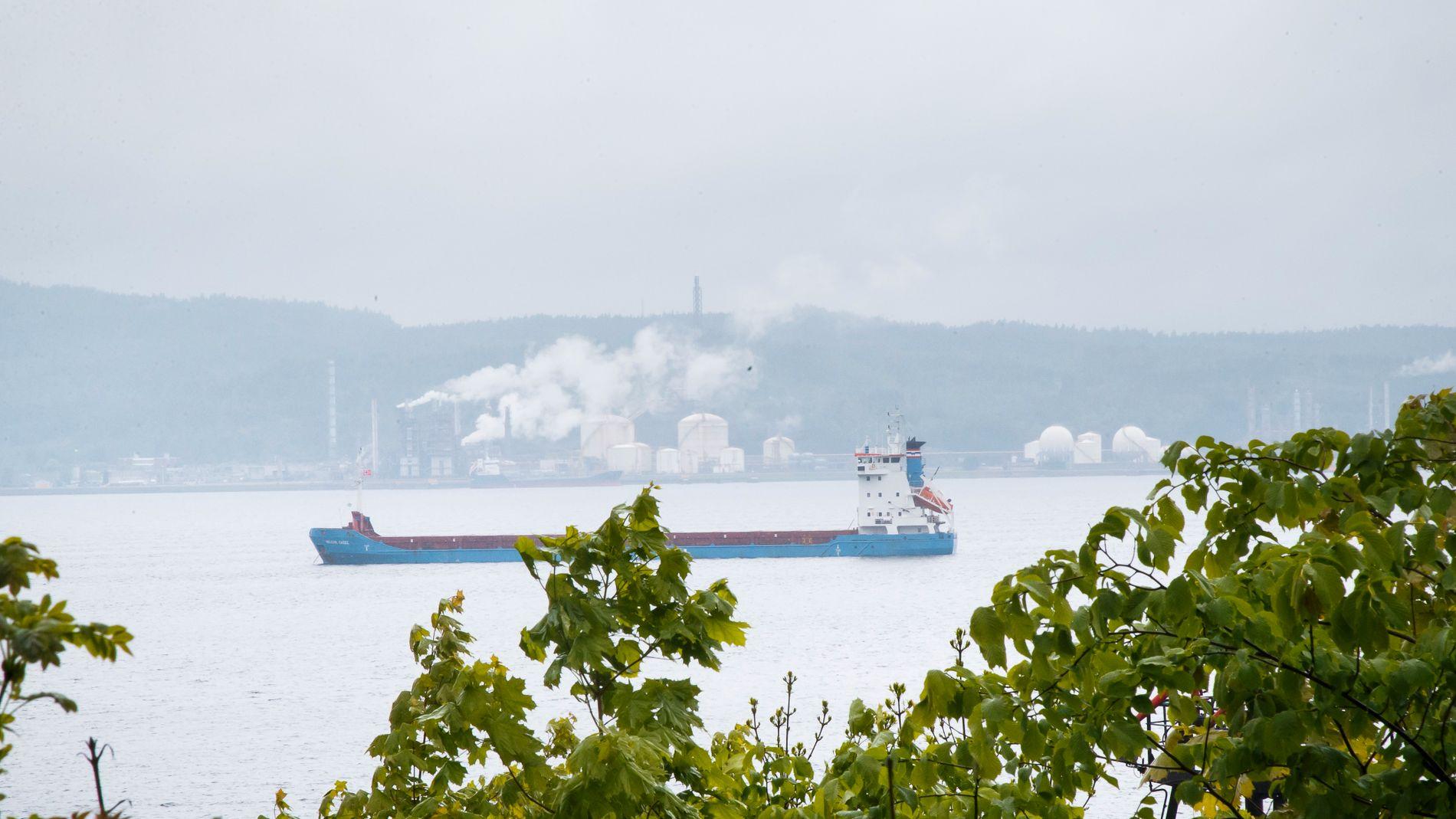 FORURENSET FJORD: Miljødirektoratet pålegger Hydro å rydde opp forurensning i Gunneklevfjorden i Porsgrunn før 2022. Fjordene rundt Herøya er blant de 17 prioriterte områdene i den nasjonale handlingsplanen for opprydding i forurenset sjøbunn.