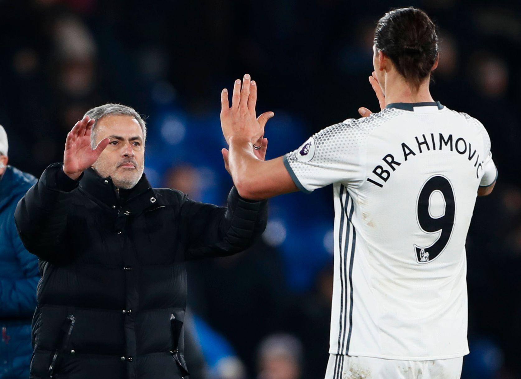 SKILLER LAG? Zlatan Ibrahimovic og José Mourinho etter en kamp mot Crystal Palace i fjor.