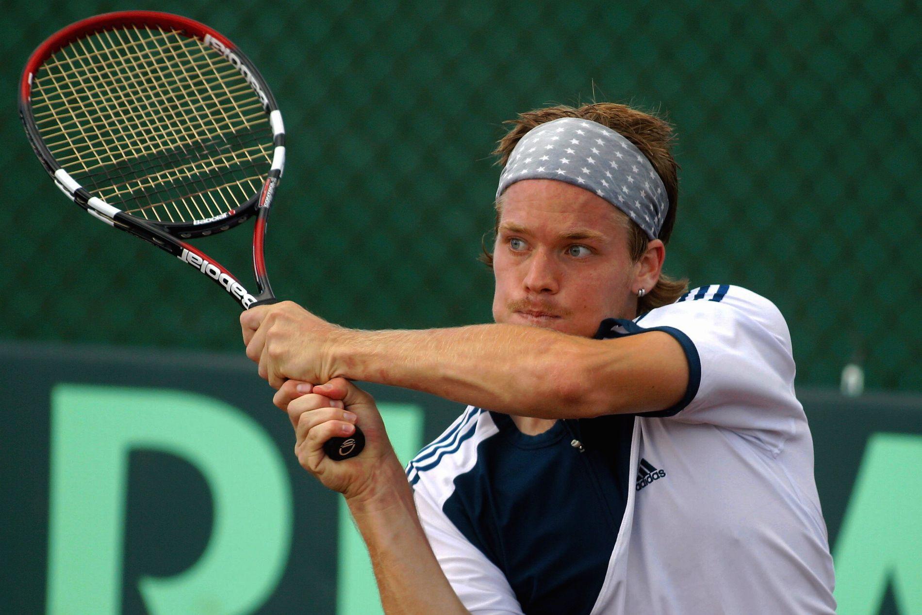 NORSK DAVIS CUP-KONGE: Stian Boretti er den nordmannen med flest kamper i Davis Cup. Her er han i aksjon under turneringen i Asker i 2002.