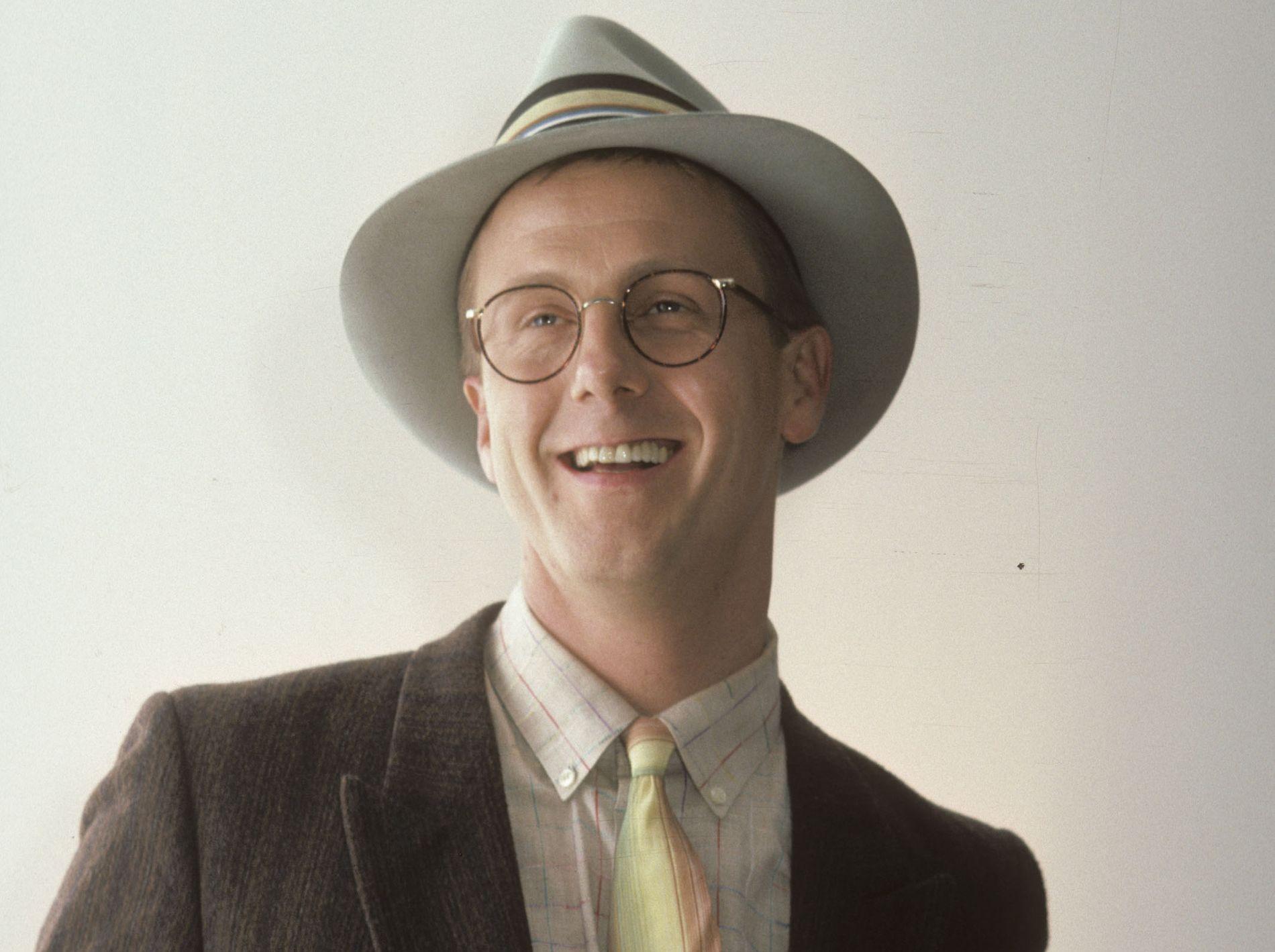 KULTSTJERNE: Harry Anderson, slik fansen husker ham best, under en veldedighetsgalla i Los Angeles i 1986.