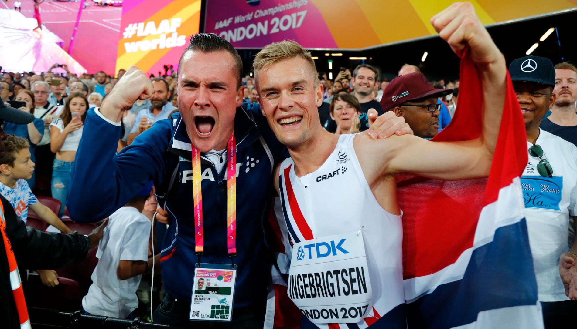 HYLLER LILLEBROR: Henrik og Filip Ingebrigtsen jubler etter VM-bronsen.
