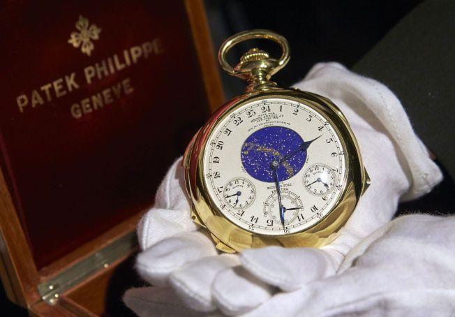 REKORDKLOKKE: Dette lommeuret er verdt langt mer enn sin vekt i gull. En anonym kjøper betalte 164 millioner kroner for uret.