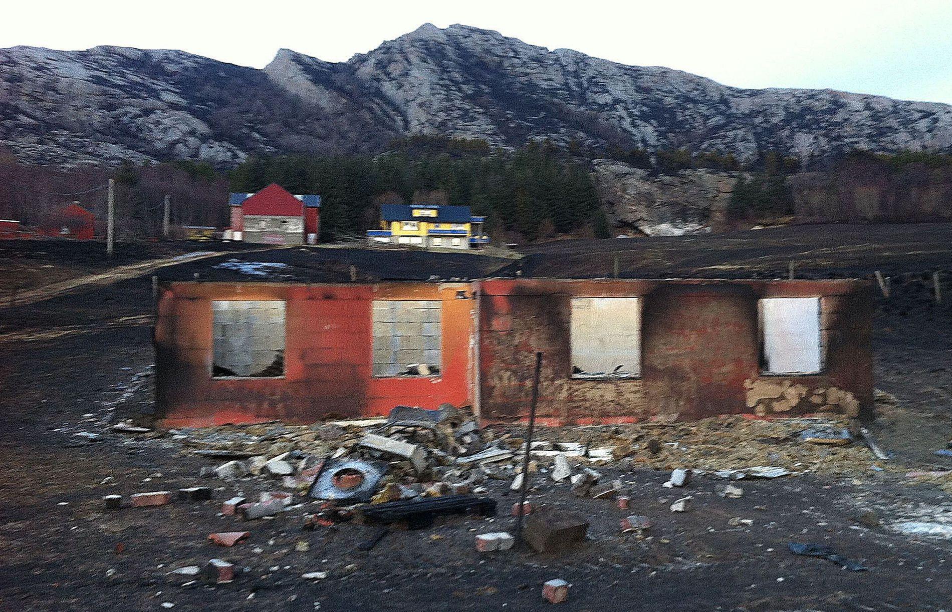 FLATANGER: Brannen i Flatanger er så langt anslått til å koste 150 millioner kroner av Finans Norge.