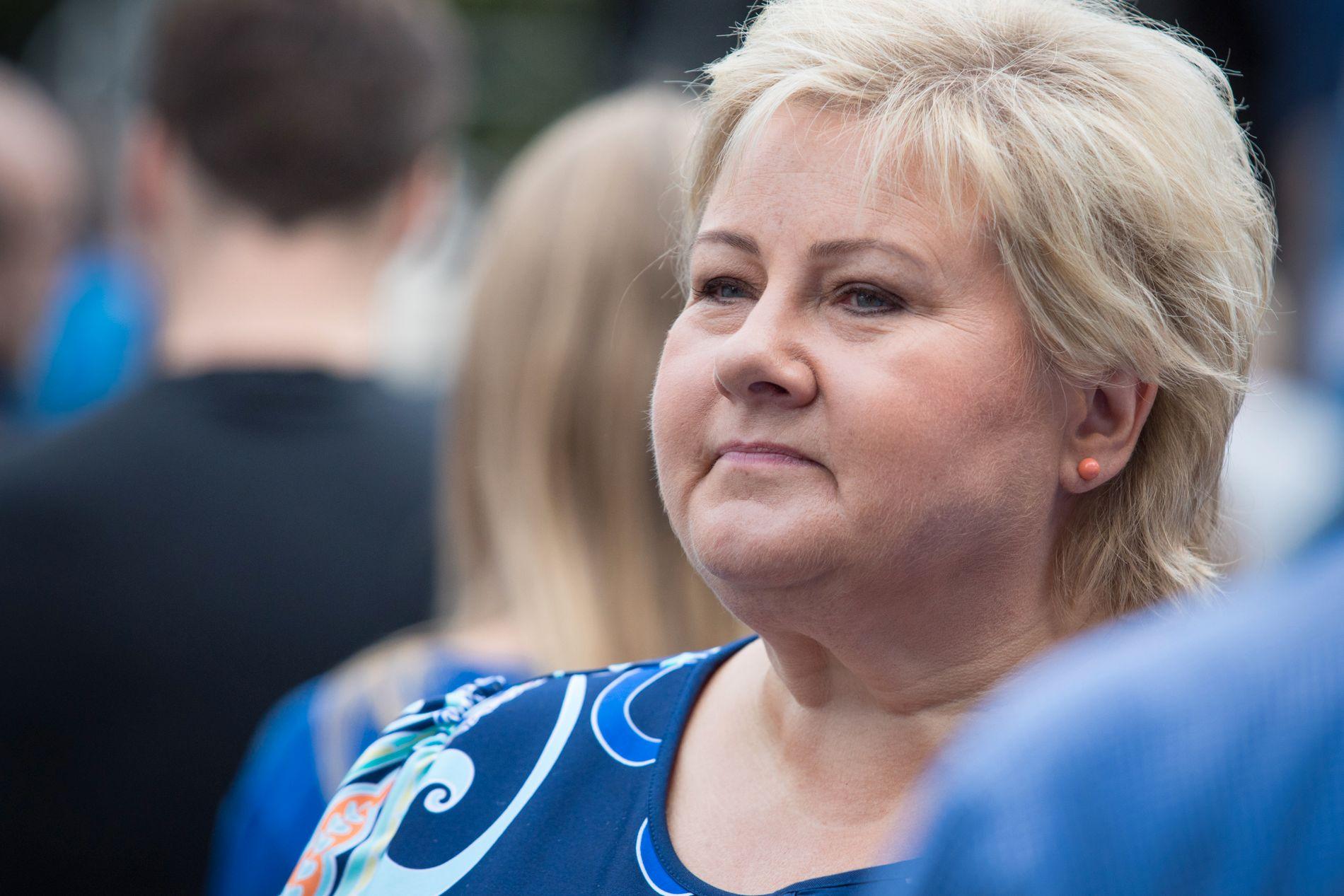 VIL KUTTE MER: Statsminister Erna Solberg deltok lørdag på Høyres valgkampåpning i Spikersuppa i Oslo sentrum.