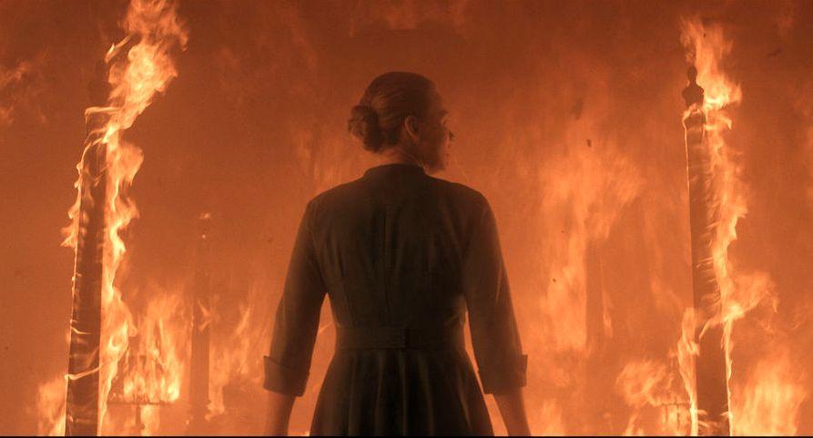 BRENNER: Yvonne Strahovski som Serena i sesong 3 av «The Handmaid's Tale».