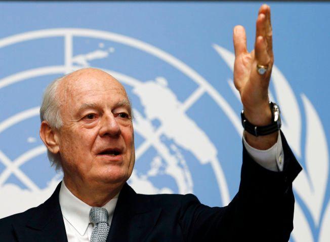 FNs spesialutsending Staffan de Mistura sier fredsforhandlingene i Genève starter i løpet av dagen.