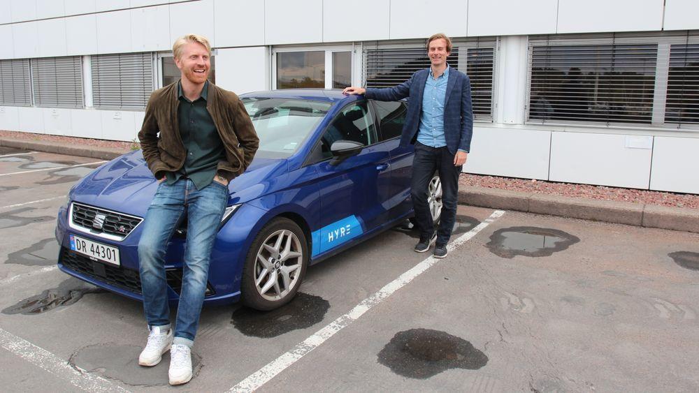 SATSER PÅ BEDRIFT: Daglig leder Nils Petter Nordbø (t.h) i Hyre og markedssjef Jon Harald Ryste.