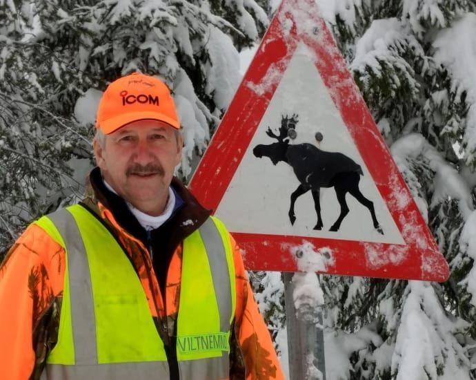 ERFAREN: Rolf Neby, i fallviltgruppen i Trysil kommune, har vært med på over 500 utrykninger til døde og skadede dyr langs veien.