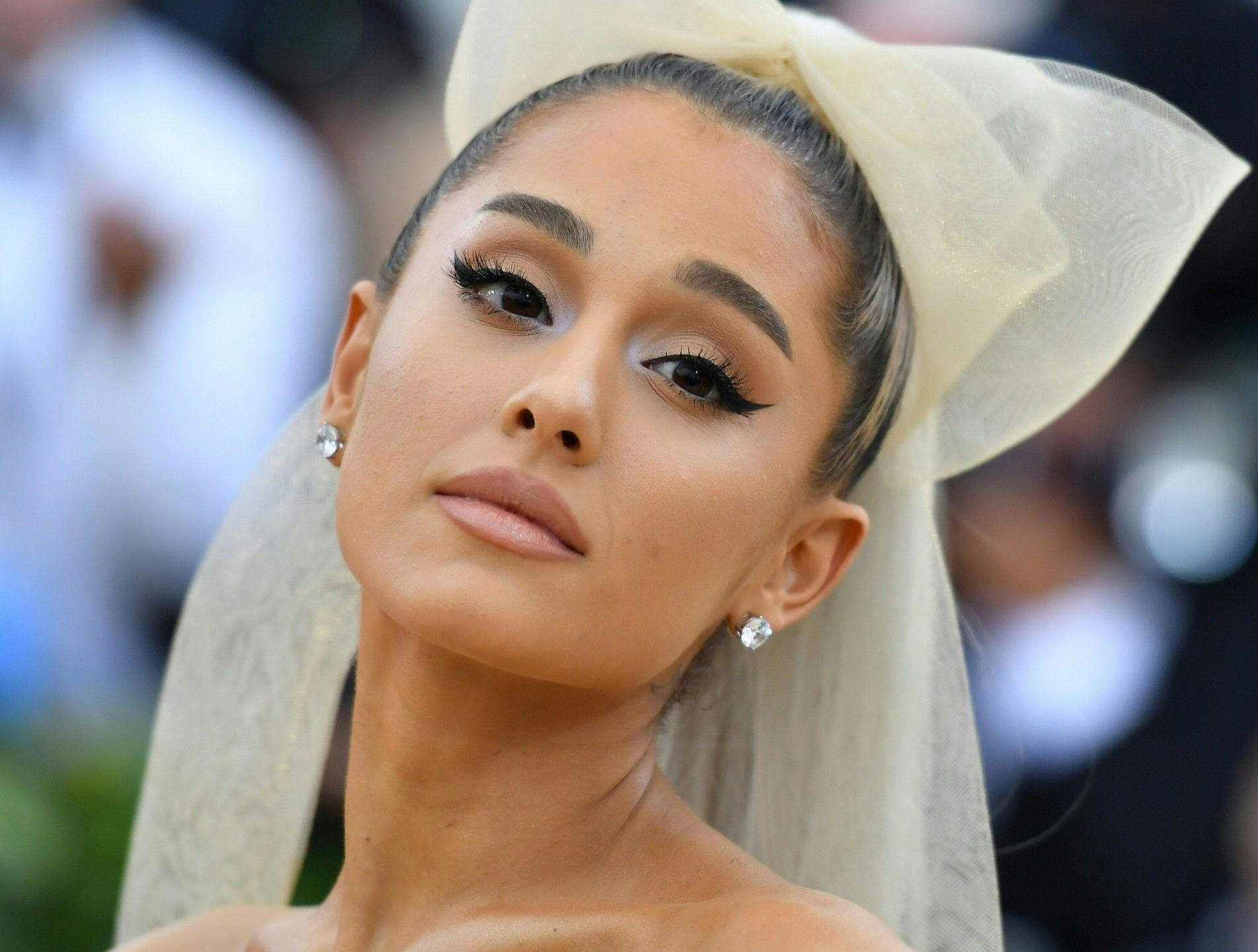 ORIGINALEN: Ariana Grandem her på fjorårets MET-galla i New York.