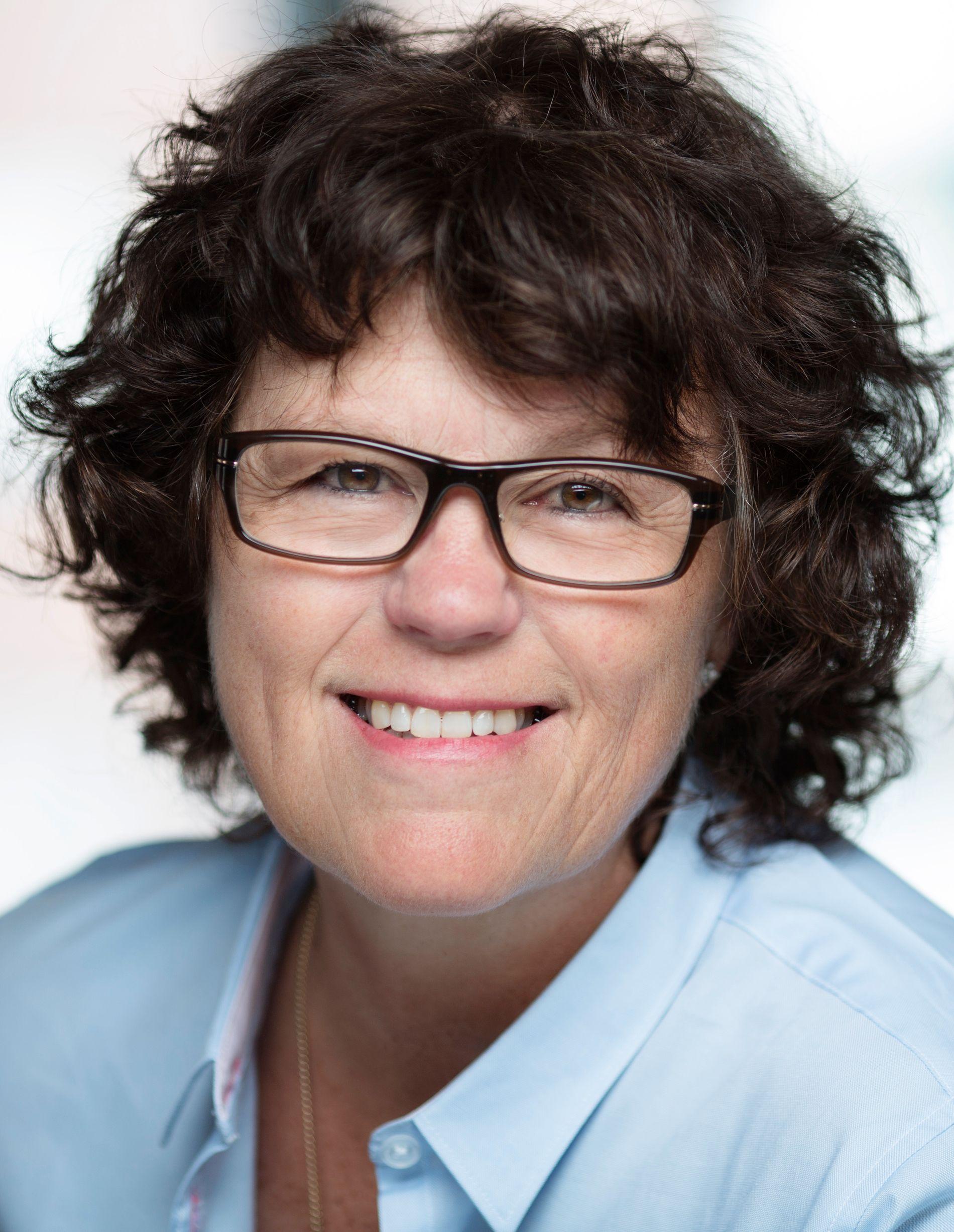 FORFATTER: Anne Holt.