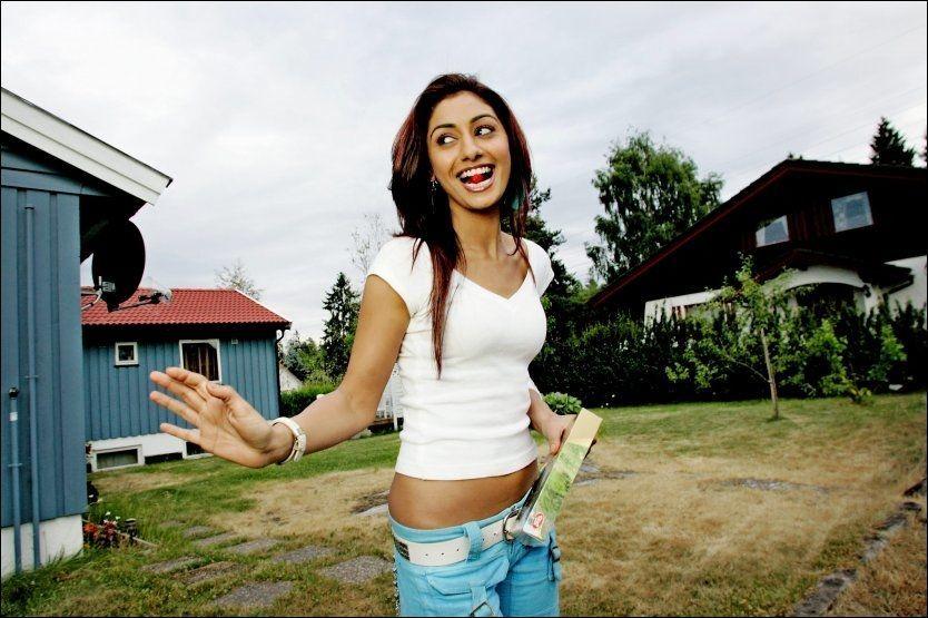 FLAKS I UFLAKS: Mahek Chahal ble slått på målstreken av den indiske versjonen av Big Brother, men samtidig ble hun forlovet. Her på besøk i Norge i 2005. Foto: Linn Cathrine Olsen