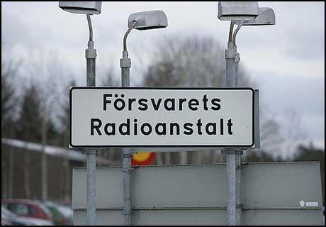 KONTROVERSIELT: Riksdagen i Sverige skulle onsdag stemme over et lovforslag som gir FRA, Försvarets Radioanstalt, omfattende fullmakter til å avlytte telefon- og datatrafikk inn og ut av Sverige. Foto: Scanpix