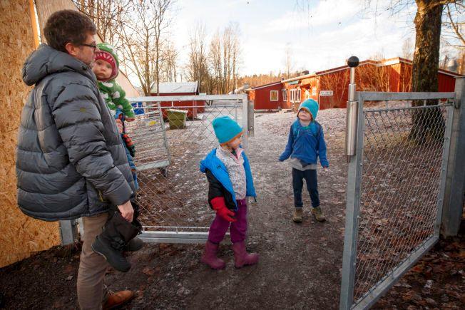 PAPPAPERM I VERDENS BESTE LAND: Norske velferdsordninger som foreldrepermisjon og støtte til barnehage kan være i spill når det norske statsbudsjettet påføres nye utgifter.